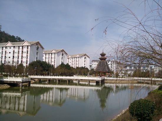 开元湖畔静悄悄