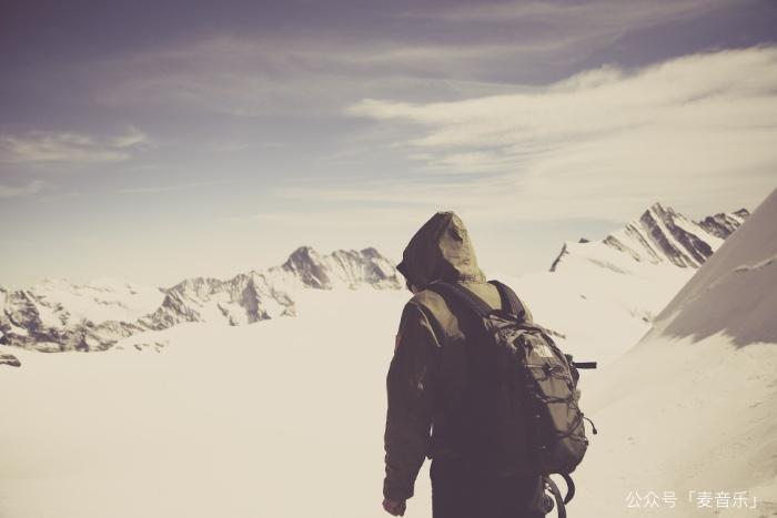 我爬上了山顶