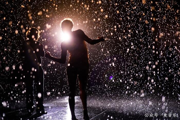 rainroomrandom