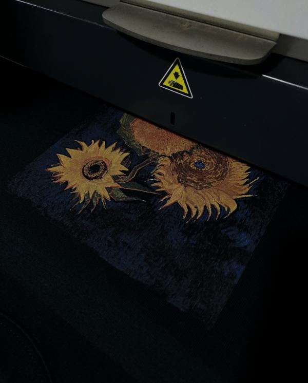 梵高的《六朵向日葵》